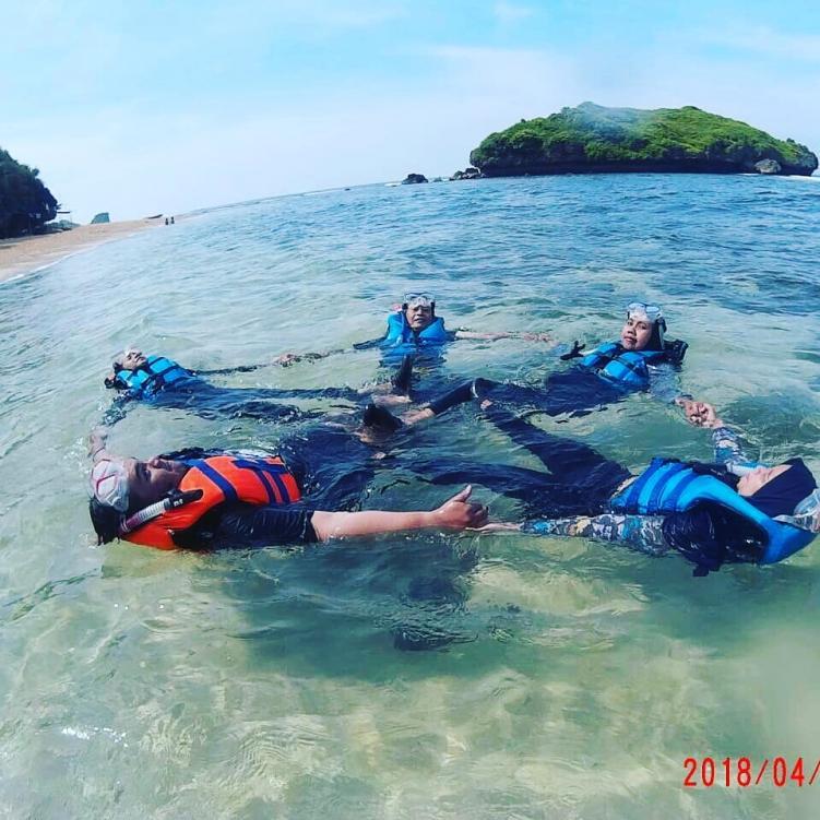 Wisata Snorkeling Di Pantai Slili Gunung Kidul Alvaro Transport